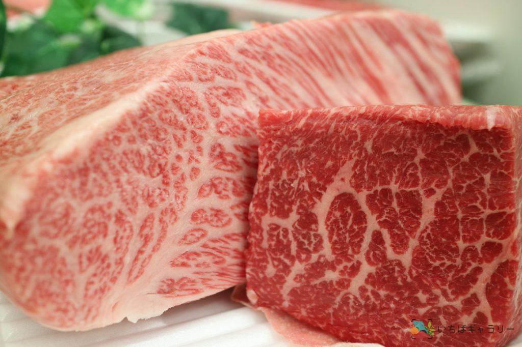 肉1のフリー素材(市場の写真)